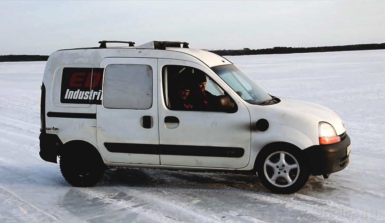 На Renault Kangoo установили движок мощностью 500 лошадиных сил: видео