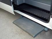 Подножка выдвижная для микроавтобусов с электроприводом