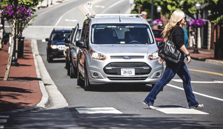 Ford разработала язык визуальной коммуникации для беспилотных автомобилей