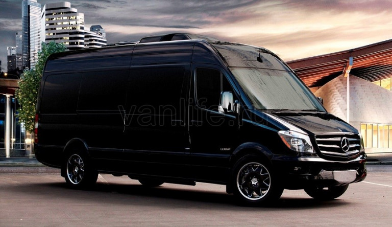 Mercedes-Benz отзывает несколько тысяч фургонов Sprinter в России
