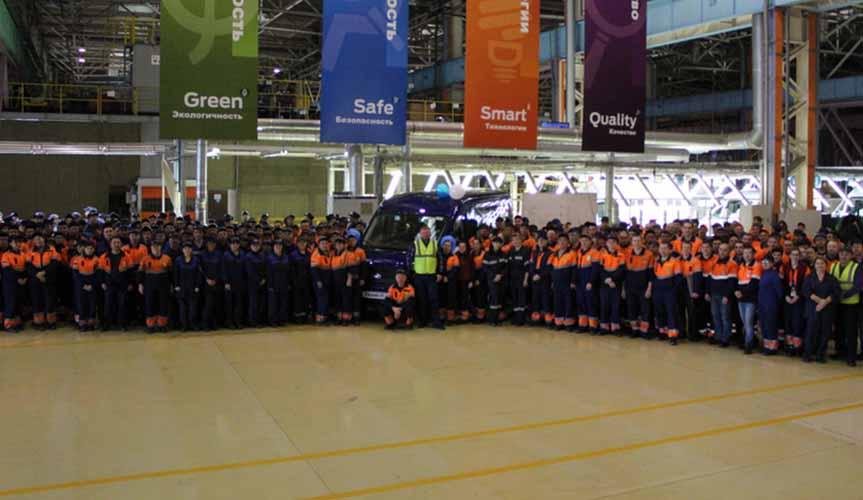 С конвейера завода в Елабуге сошел юбилейный 80-тысячный Ford Transit