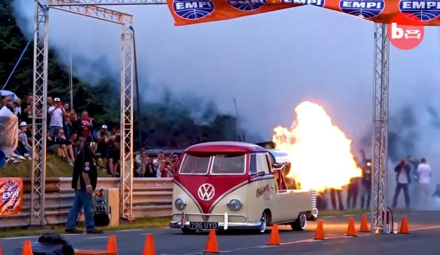 Старый Volkswagen Van оснастили реактивным двигателем Rolls-Royce