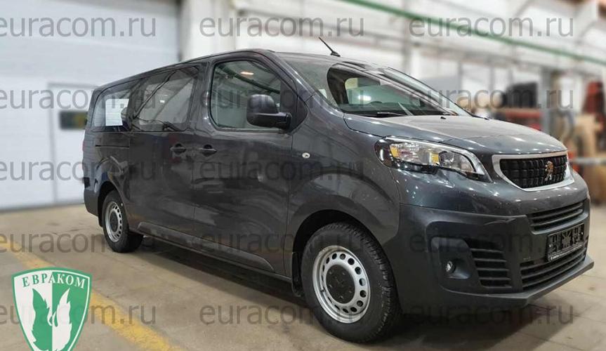 В компании «Евраком» создали бизнес-купе на базе Peugeot Expert