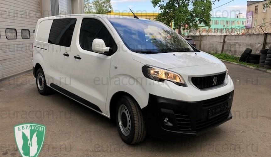 Грузопассажирский Peugeot Expert от компании «Евраком»