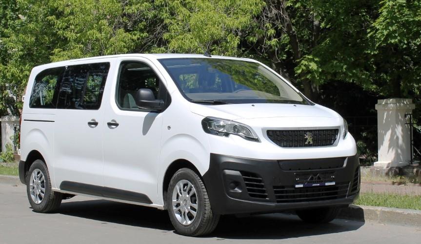 Фургоны Peugeot Expert и Citroen Jumpy стали доступны в новой модификации