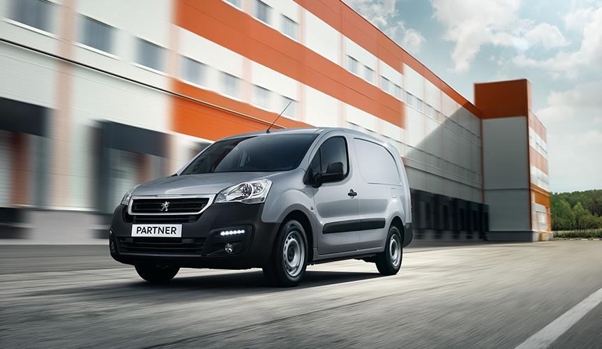 В Петербурге спустя 1,5 года возобновились продажи «каблучка» от Peugeot
