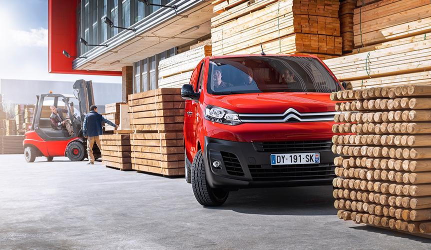 Фургоны Peugeot Expert и Citroёn Jumpy стали доступны с АКПП