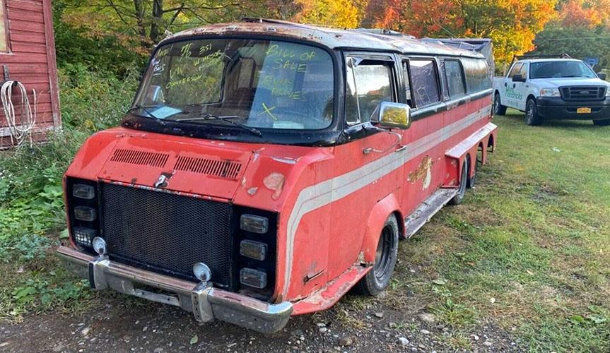 На eBay продают старый восьмиколесный автобус Volkswagen