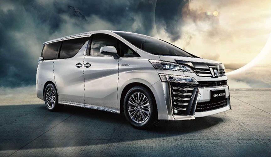 На выставке в Шанхае дебютировал минивэн Toyota Crown