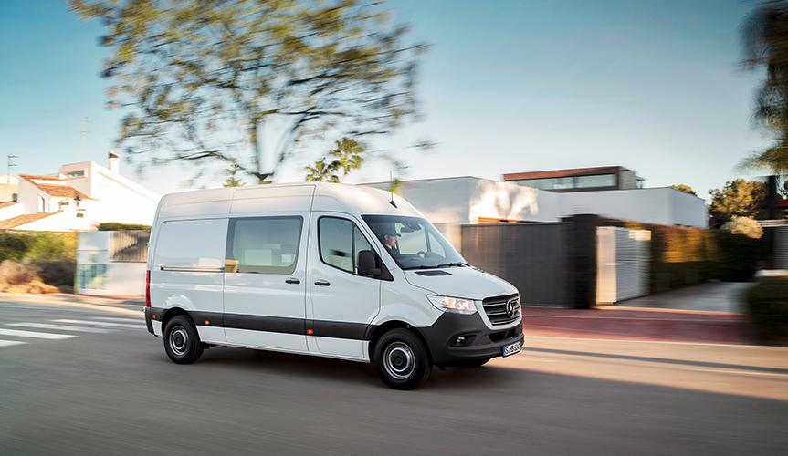 Mercedes-Benz отзывает более 200 фургонов Sprinter в России