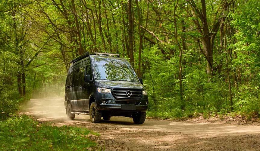 На базе Mercedes-Benz Sprinter построили кемпер Sanctuary (+ видео)