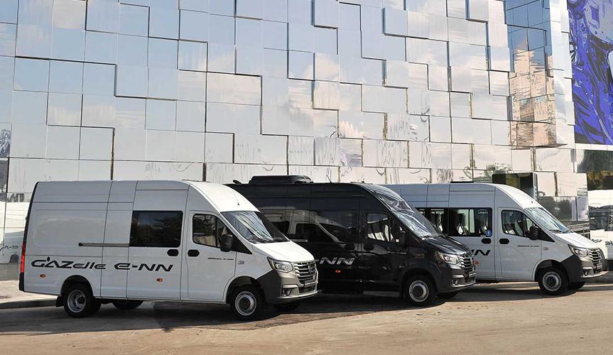 Почта России получила в тестовую эксплуатацию электромобиль GAZelle e-NN