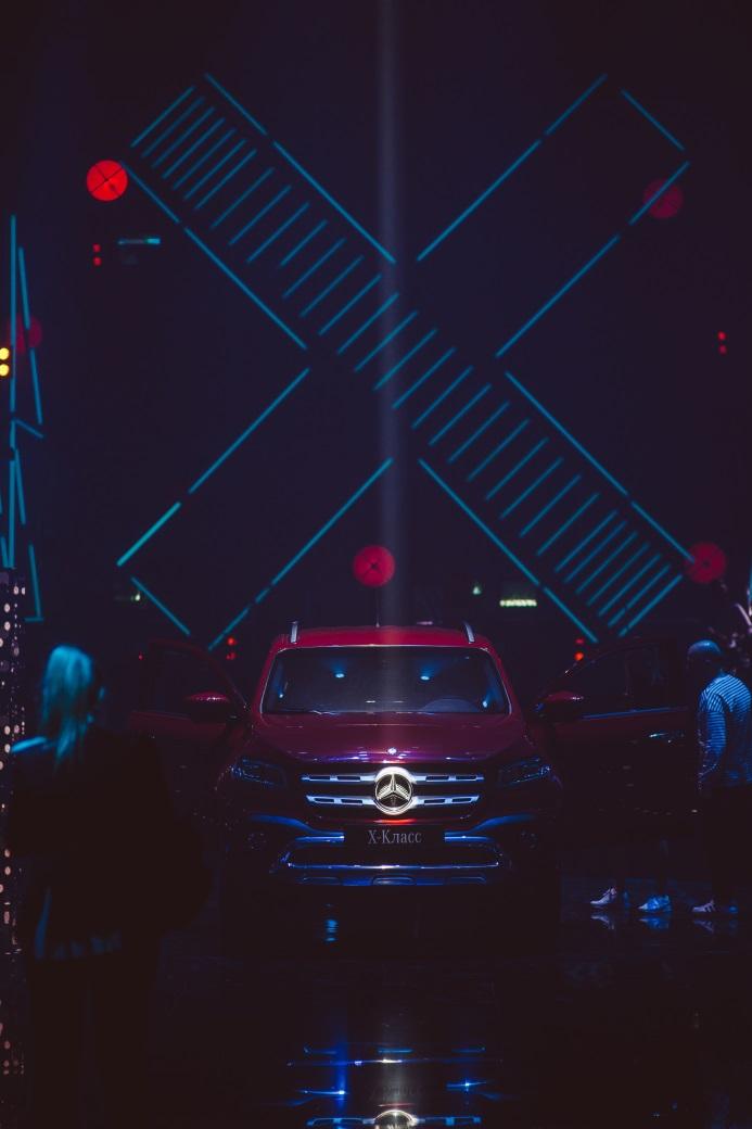 Mercedes-Benz отмечает 10-летие сотрудничества с ПМЭФ