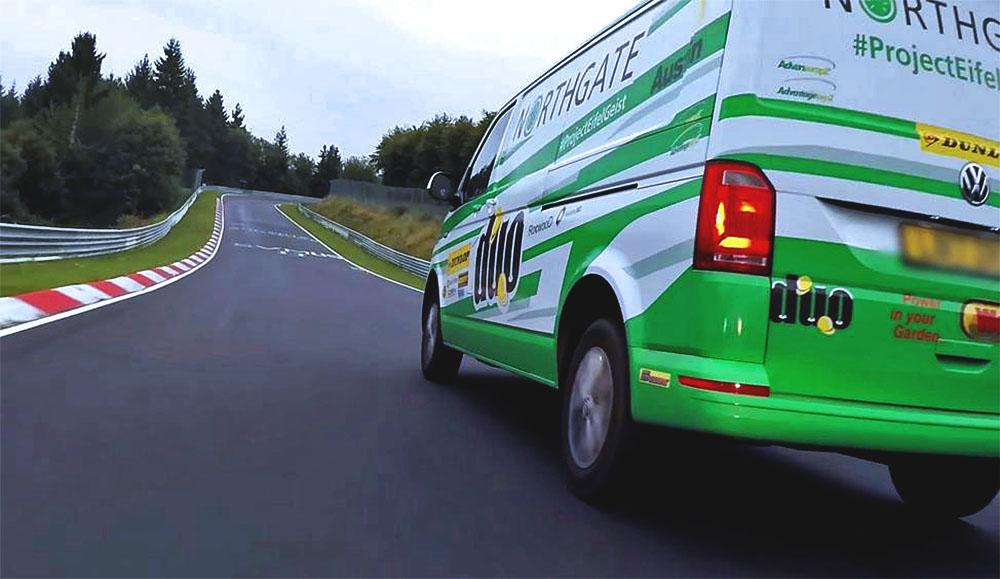 Роб Остин установил новый скоростной рекорд на Volkswagen Transporter