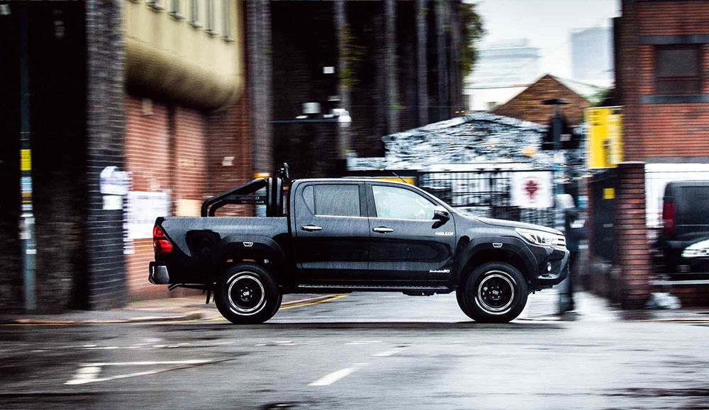 Toyota выпустила лимитированную спецверсию пикапа Hilux