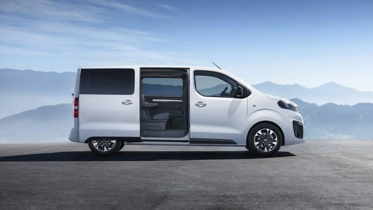 Компания Opel презентует обновлённый фургон Vivaro