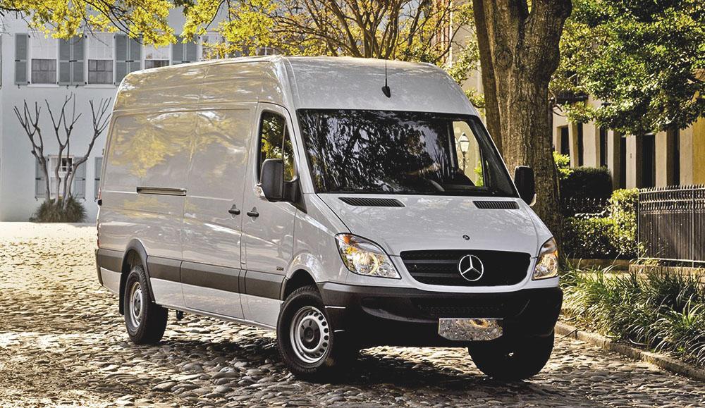 Фургоны Mercedes-Benz Sprinter попали под отзыв в России