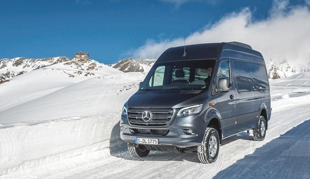 Для российских покупателей стал доступен новый полноприводный Mercedes-Benz Sprinter