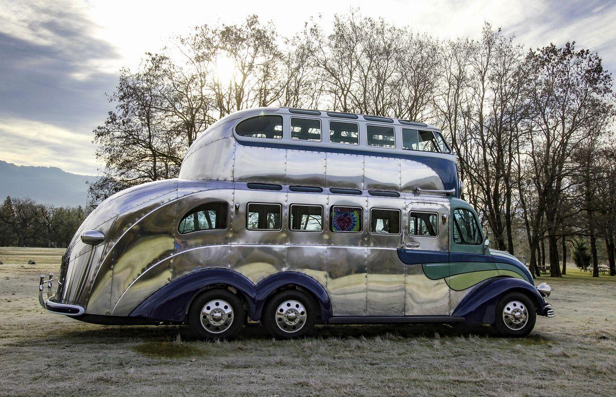 Магический автобус-кемпер Volkswagen T1