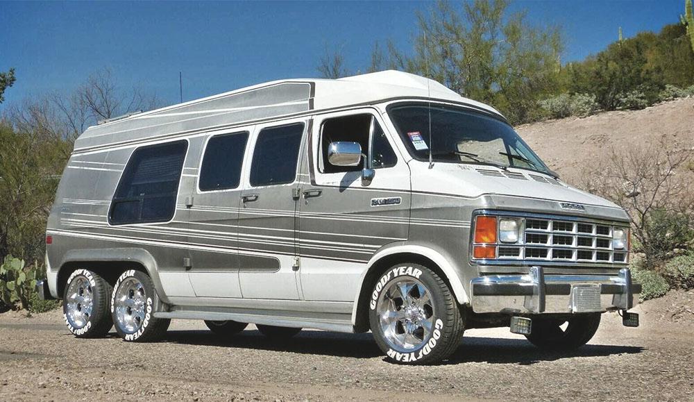 Уникальный 6-колёсный фургон Dodge 1991 года выставили на аукцион на eBay