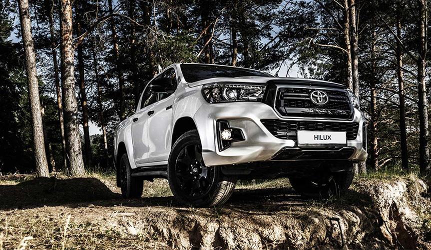 Toyota начала продажи эксклюзивной версии Hilux Exclusive Black в России