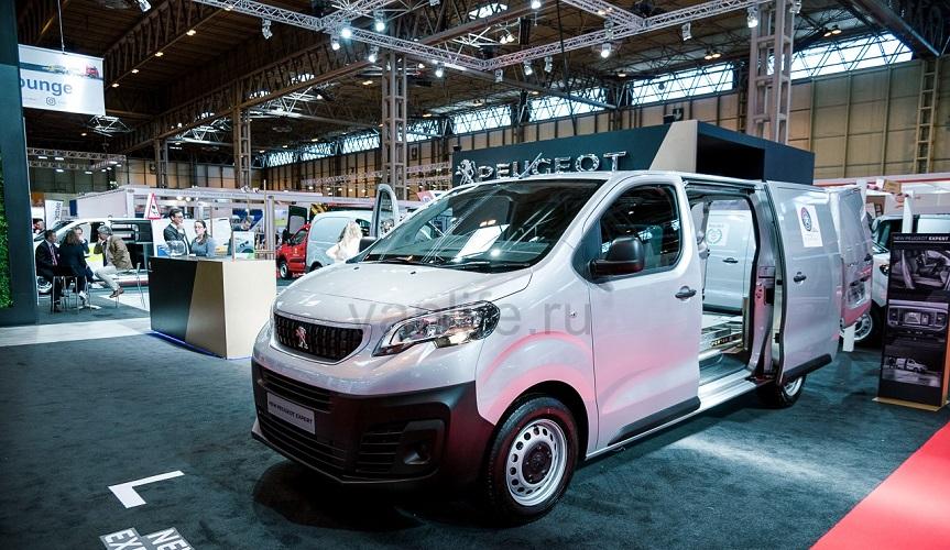 Обновлённый Peugeot Expert начали продавать в Украине