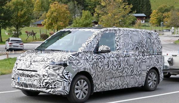 Новый Volkswagen Transporter впервые поймали в серийном кузове