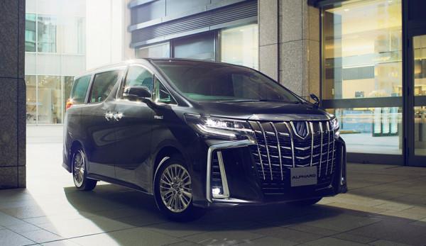 Обновленный минивэн Toyota Alphard запущен в массовую продажу