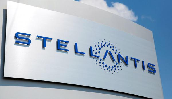 Stellantis и «ПСМА Рус» получили специальный приз Гран-при «За рулем»