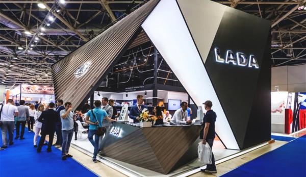 LADA представила на MIMS-2017 смазочные материалы под собственной маркой