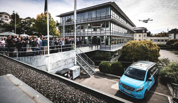 Компания Mercedes-Benz начала испытания дронов-доставщиков в реальных условиях