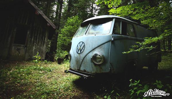 Невероятное спасение Volkswagen T1 из дремучего леса