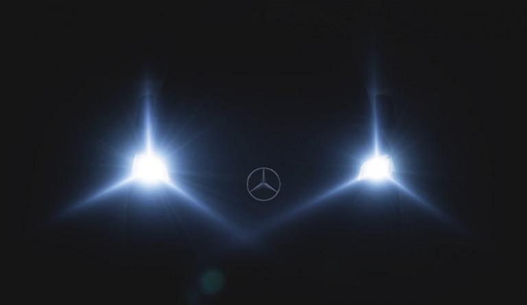 Компания Mercedes-Benz опубликовала ещё один тизер нового фургона Sprinter (видео)