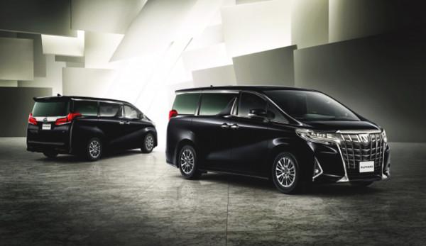 Toyota представила обновленный Alphard в России