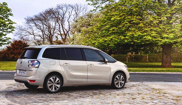 Компания Citroën анонсирует цены на новые минивэны C4 SpaceTourer и Grand C4 SpaceTourer