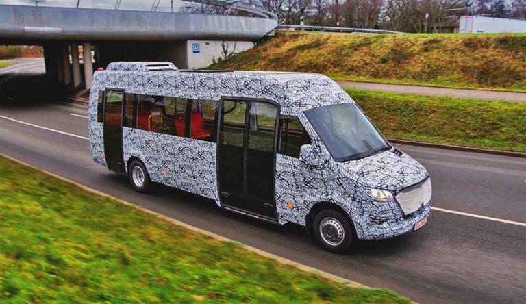 Появились первые изображения микроавтобуса Mercedes-Benz Sprinter нового поколения