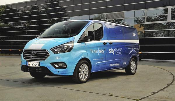 Ford представил уникальную версию микроавтобуса Tourneo Custom для велогонки Тур де Франс