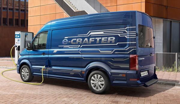 Volkswagen Коммерческие автомобили электрифицирует модель Crafter