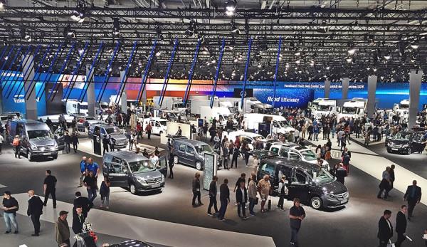Mercedes-Benz на выставке IAA 2016 в Ганновере